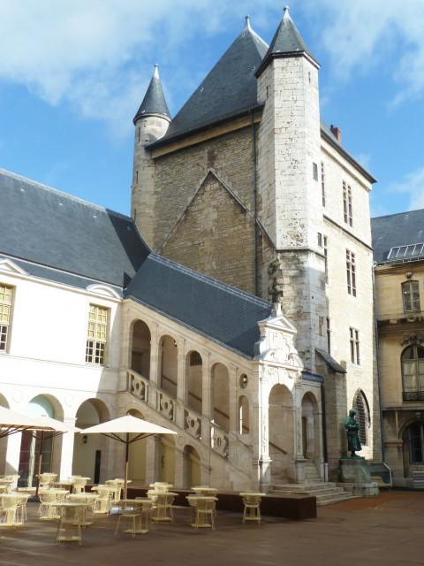 palais-medieval-82245